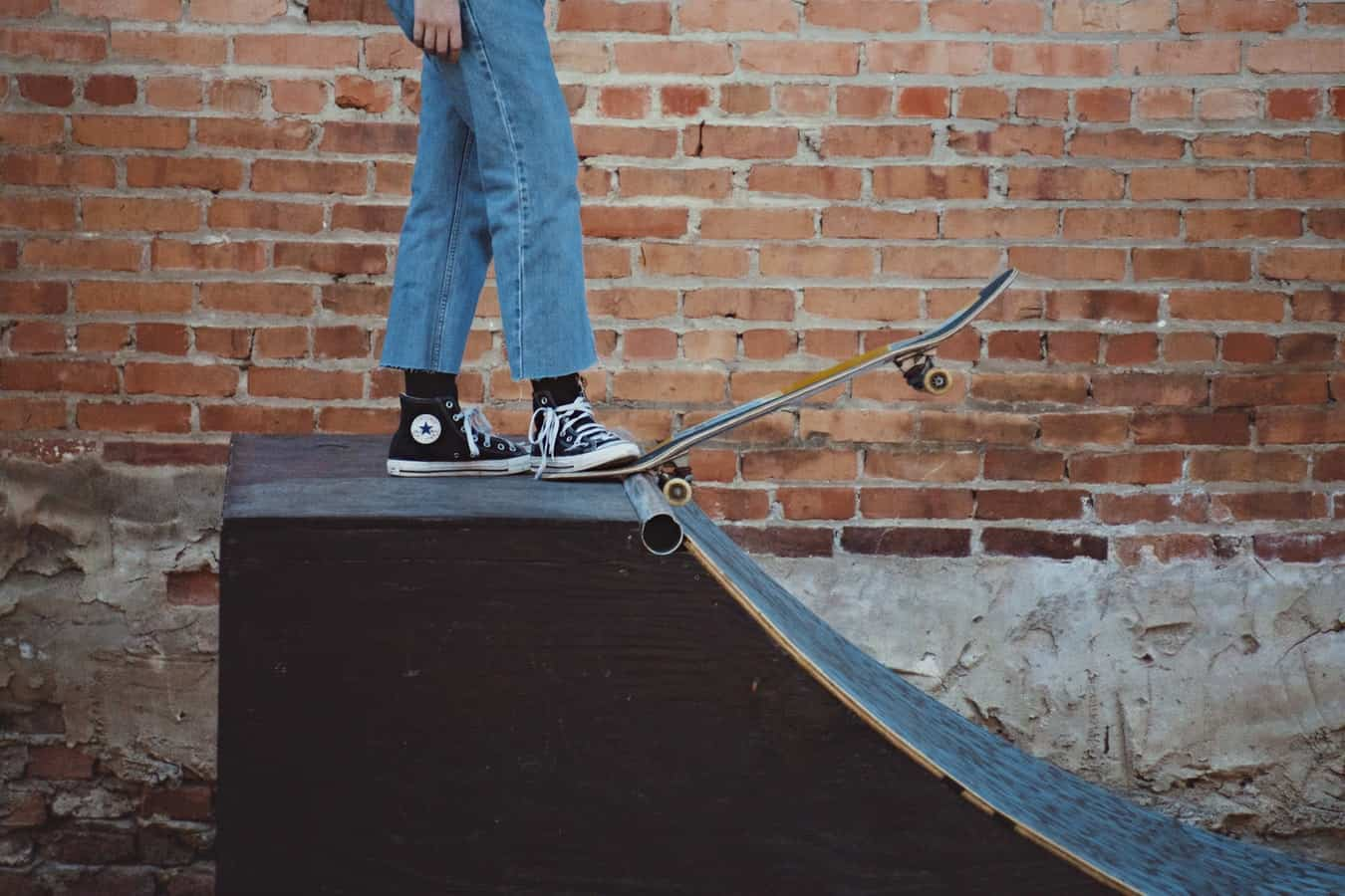 how to drop in on a skateboard